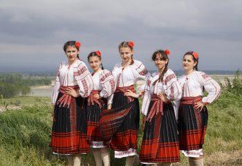 Ansamblul folcloric Cetina (1)